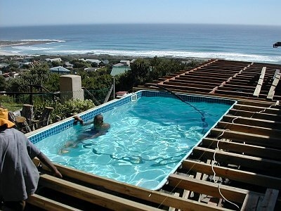 filling water in pool